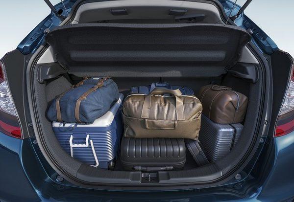 Os riscos do excesso de bagagem no carro