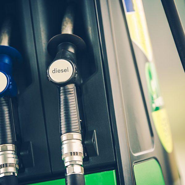 Por que a gasolina e o etanol não são puros? - Posto de Vistoria