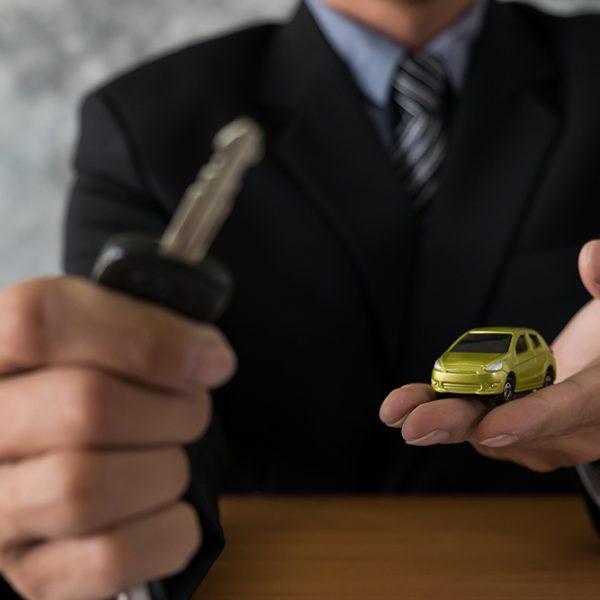 Vai comprar um carro usado? Lojas devem fornecer histórico de veículo