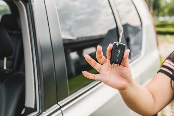 Veja 5 cuidados ao comprar um carro usado pela internet