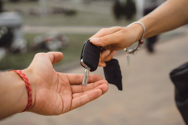 Erros que você não pode cometer ao comprar o primeiro carro