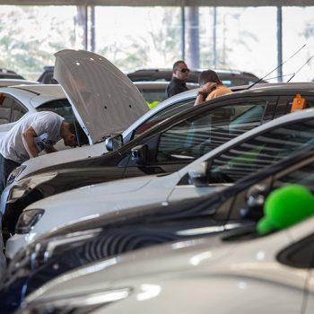 Como escolher um carro dentro de uma mesma categoria?