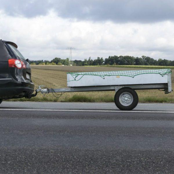 Engate para reboque: como funciona e que carro pode usar?
