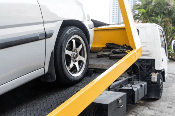 Dono de carro rebocado deve passar a receber aviso de órgão de trânsito