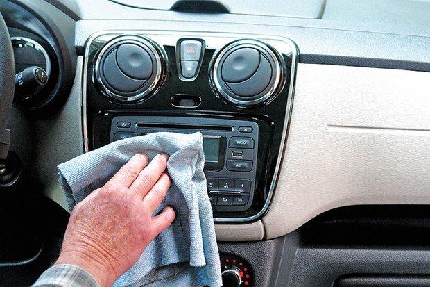 Limpeza: por que não usar silicone no interior do carro?