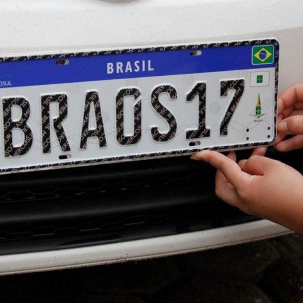 Placa Mercosul enfim será obrigatória em todo Brasil a partir de fevereiro